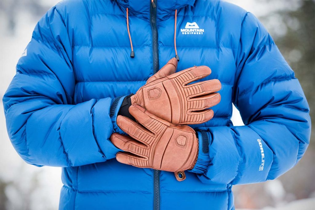 Best Gloves For Extreme Cold